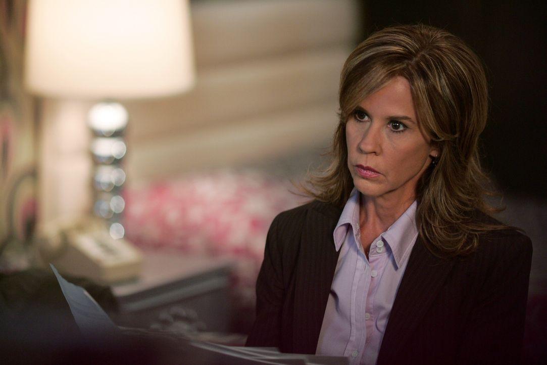 Erst als die Polizistin Diana Ballard (Linda Blair) befürchtet, dass sie das nächste Mordopfer sein könne, schenkt sie den Brüdern Glauben ... - Bildquelle: Warner Bros. Television