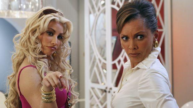 Fabia (Gina Gershon, l.) kehrt nur zurück, um Wilhelmina (Vanessa Williams, r...