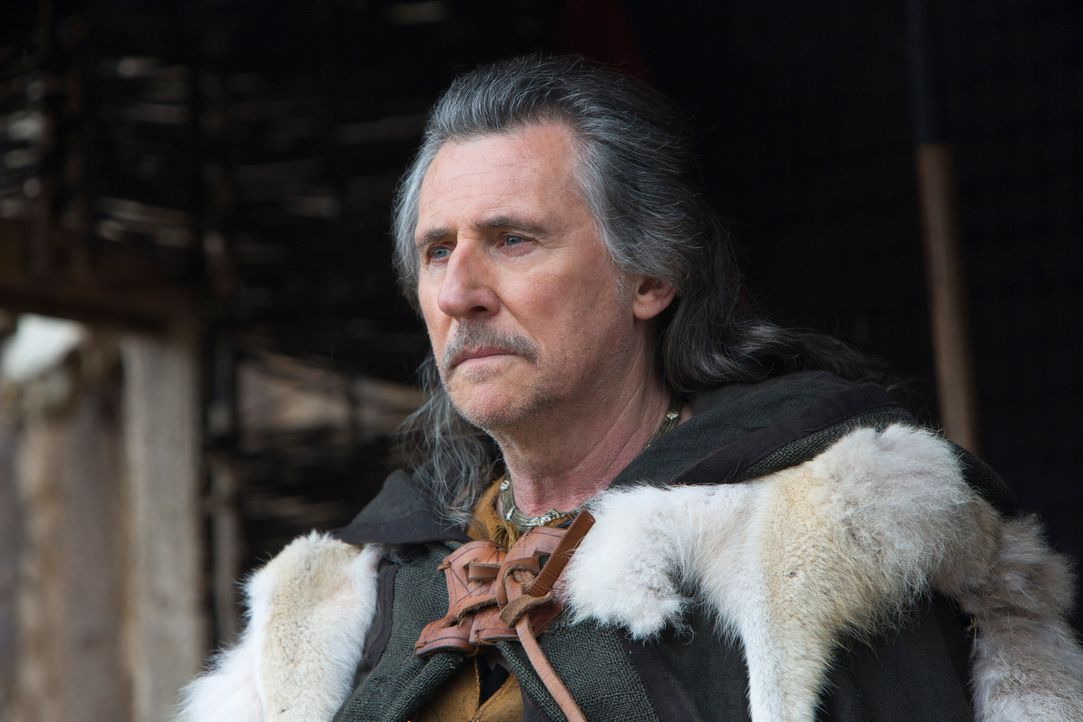 Mit allen Mitteln versucht der intrigante Earl Haraldson (Gabriel Byrne) Rollo auf seine Seite zu ziehen. Er macht ihm ein schier unschlagbares Ange... - Bildquelle: 2013 TM TELEVISION PRODUCTIONS LIMITED/T5 VIKINGS PRODUCTIONS INC. ALL RIGHTS RESERVED.