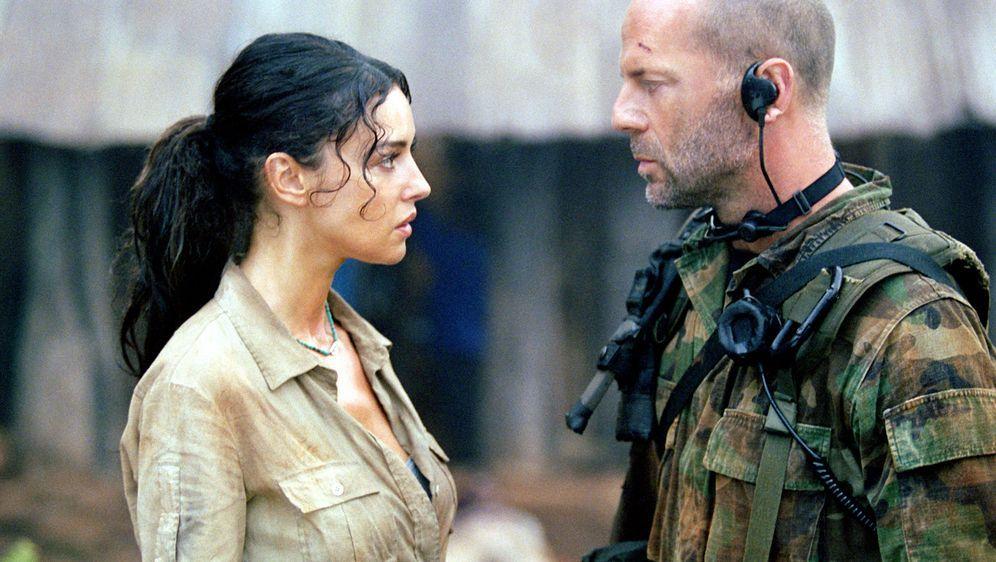 Tränen der Sonne - Bildquelle: 2004 Sony Pictures Television International. All Rights Reserved.