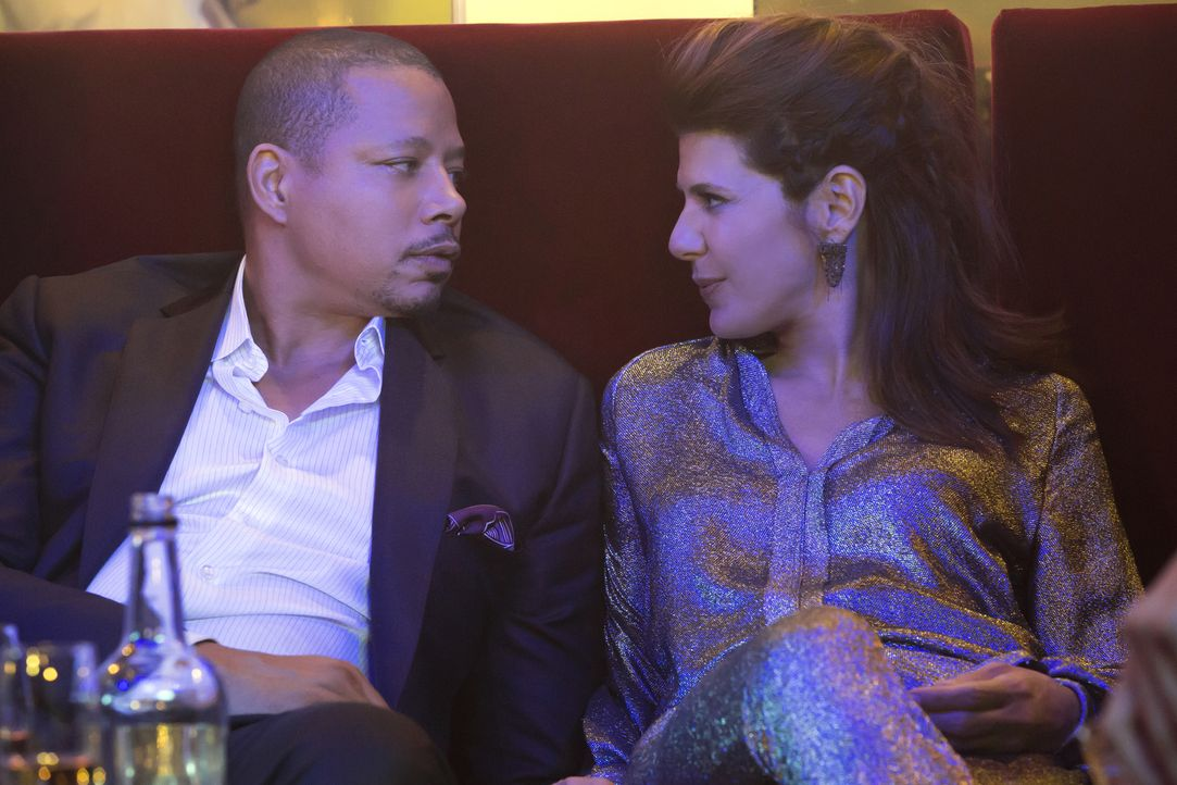 Wollen eine Fusion von Empire mit dem Streaming-Unternehmen Swiftstream. Doch werden Lucious (Terrence Howard, l.) und Mimi (Marisa Tomei, r.) Erfol... - Bildquelle: Chuck Hodes 2015-2016 Fox and its related entities.  All rights reserved.