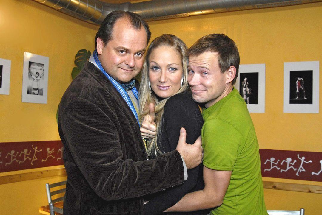 """""""DIE DREISTEN DREI - Die Comedy WG"""": v.l.n.r. Markus Majowski, Janine Kunze, Mathias Schlung - Bildquelle: Sat.1"""