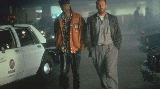 Der versoffene Privatdetektiv Joe Hallenbeck (Bruce Willis, r.) und der Ex-Fo...