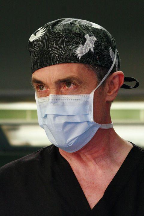 Webber hat einen neuen Kandidaten als seinen Nachfolger ins Spiel gebracht: Dr. Colin Marlow (Roger Rees) ... - Bildquelle: Touchstone Television