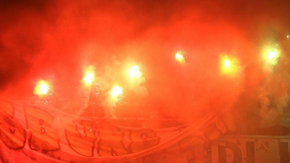 Wolfsburg nimmt Fans in Regress - Bildquelle: FIROFIROSID