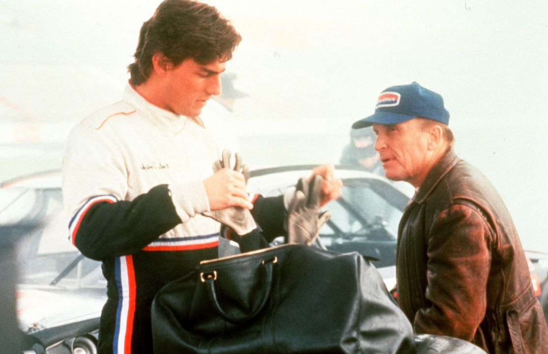 Rennsport-Experte Harry Hogge (Robert Duvall, r.) bescheinigt Cole Trickle (Tom Cruise, l.) Talent und Courage ... - Bildquelle: Paramount Pictures