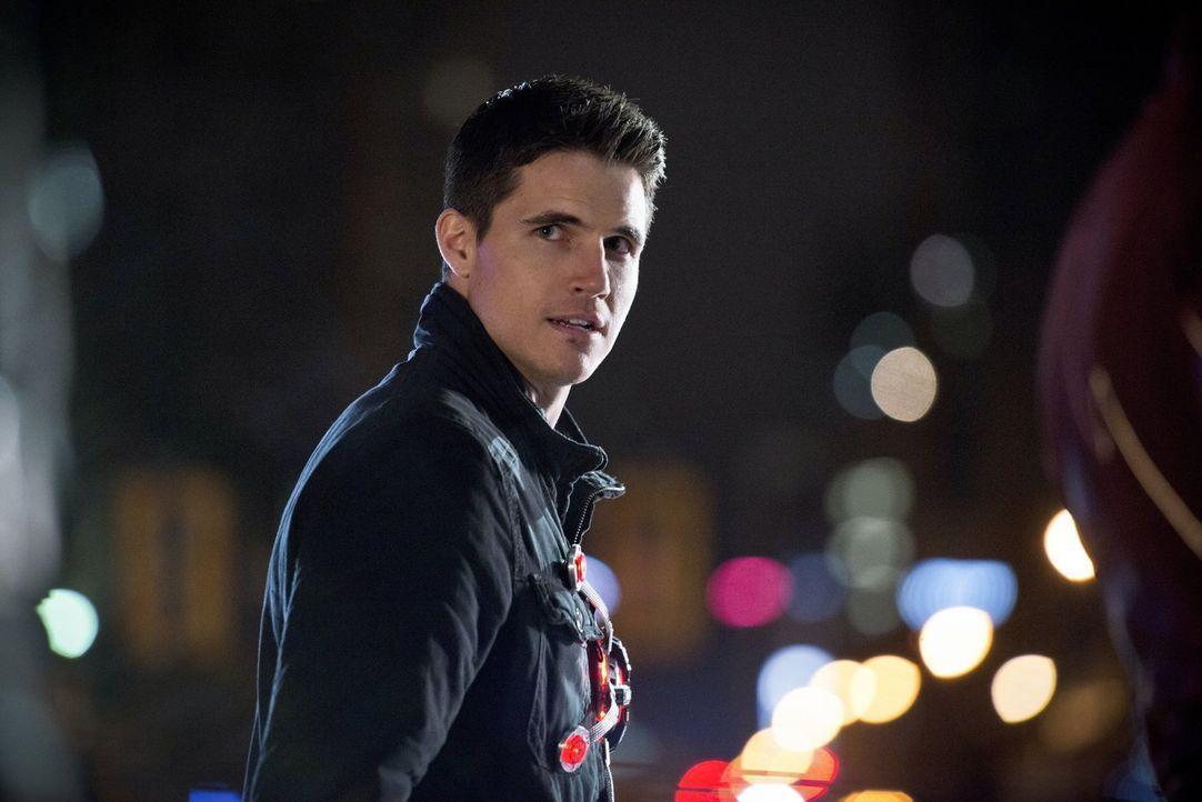 Der Kampf gegen den Reverse-Flash könnte Ronnie alias Firetorm (Robbie Amell) schwer treffen. Wird er sich ihm trotzdem entgegen stellen? - Bildquelle: Warner Brothers.