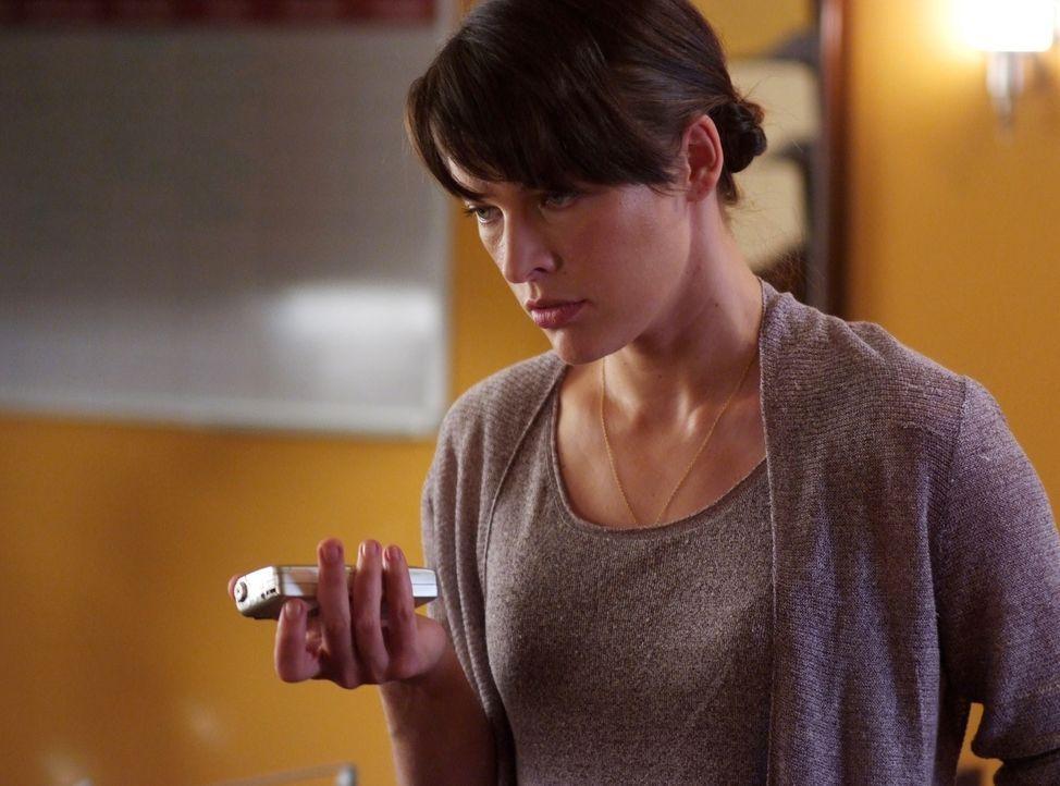 Nur langsam wird Dr. Abbey Tyler (Milla Jovovich) bewusst, welcher Gefahr die Bewohner des abgeschiedenen Ortes Nome wirklich ausgesetzt sind ... - Bildquelle: 2009 Gold Circle Films LLC.  All rights reserved