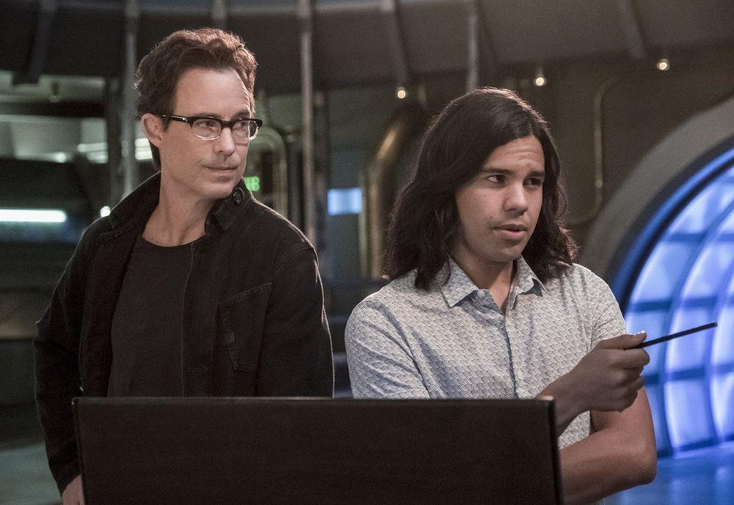 Während Harry (Tom Cavanagh, l.) und Cisco (Carlos Valdes, r.) dank Ralph einen ganz besonderen Junggesellenabschied verleben, müssen die Frauen ihr... - Bildquelle: 2017 Warner Bros.