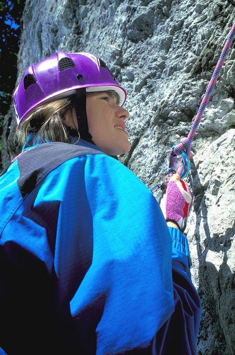 Obwohl Mascha (Nina Kronjäger) blind ist, fühlt sie sich in den Bergen wie zu Hause. Mutig startet sie zu einer gefährlichen Kletterpartie ... - Bildquelle: ProSieben