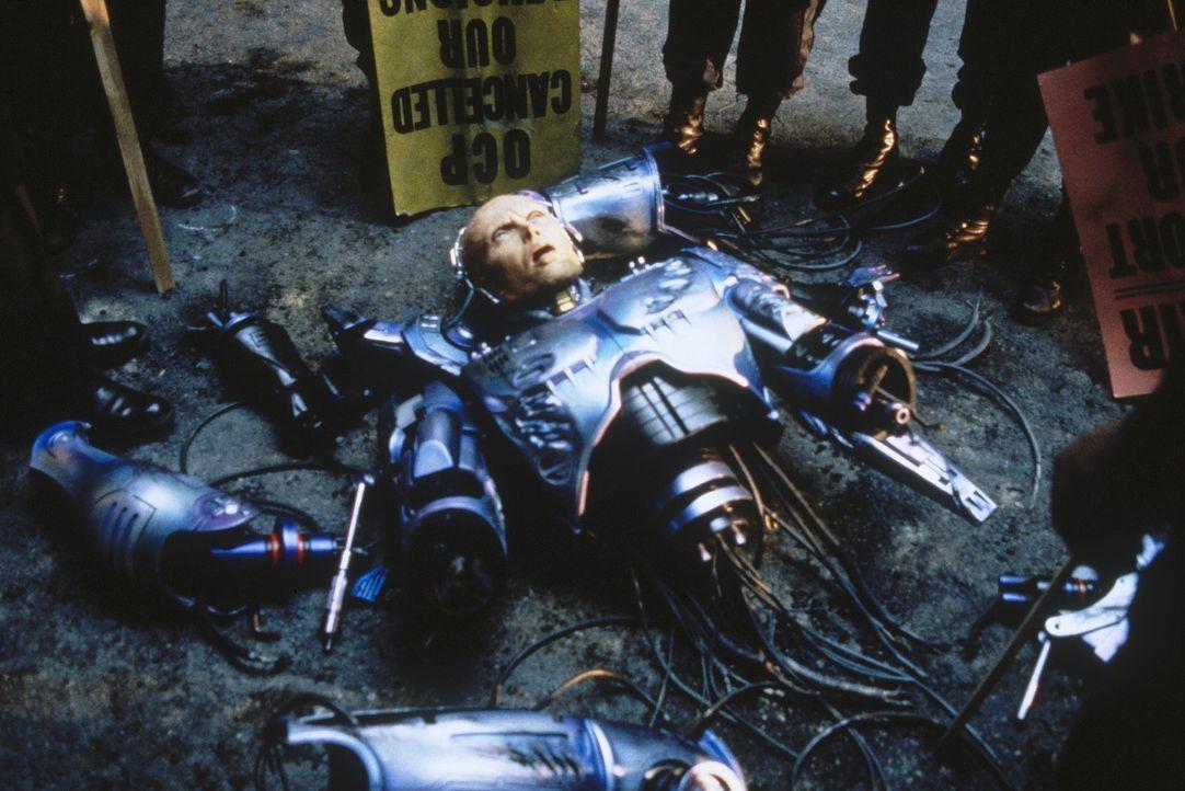 """Die Herren vom Industrieverbund """"Omni Consumer Products"""" sehen ihre Chance gekommen, Detroit übernehmen zu können. Das Ende des friedfertigen Robo... - Bildquelle: Orion Pictures Corp."""