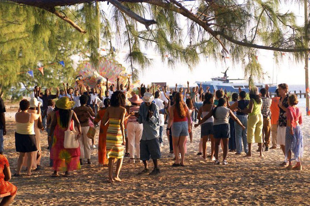"""Party, Spaß und Erholung hatten sich die Urlauber von der Insel """"Barsato Island"""" versprochen. Aber es kommt nicht immer alles so, wie man es gerne... - Bildquelle: Regent Worldwide Sales LLC"""