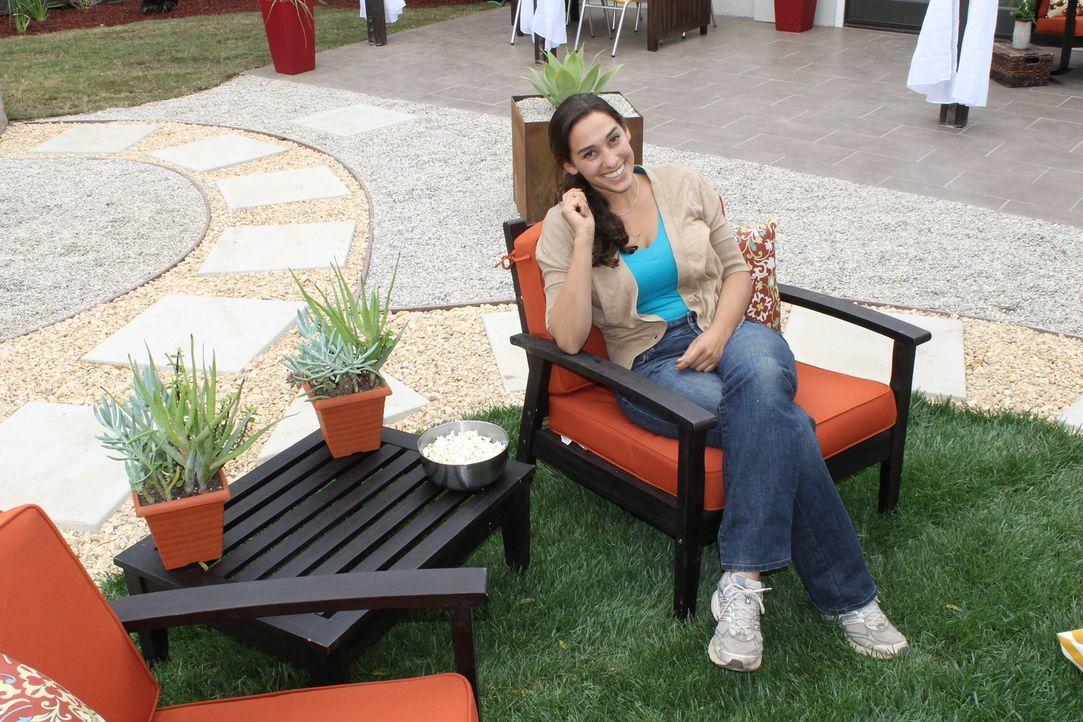 Landschaftsgärtnerin Sara Bendricks (Bild) macht aus dem tristen Garten von Arati und Matia einen Ort für Spaß, Spiele, gutes Essen und zum Entspann... - Bildquelle: 2013, DIY Network/Scripps Networks, L.L.C. All rights Reserved
