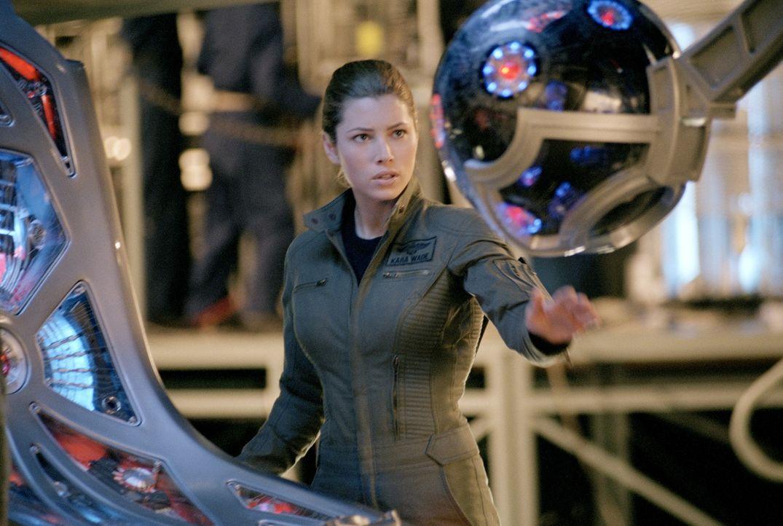 Die hervorragende Pilotin Kara Wade (Jessica Biel) muss einen mörderischen unbemannten Kampfjet ausschalten. Kein leichtes Unterfangen ... - Bildquelle: 2005 Columbia Pictures Industries, Inc. All Rights Reserved.