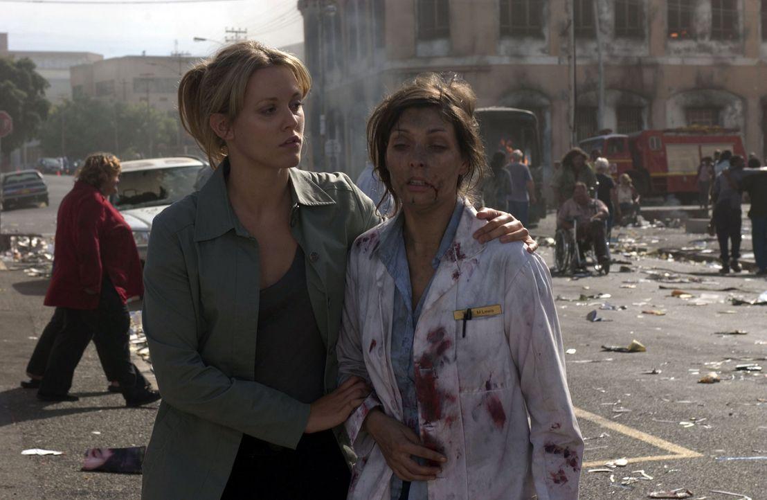 Ginny McKillop (Clemency Burton-Hill, l.), Assistentin von Dr. Austin Shepard, versucht zu helfen, wo sie nur kann … - Bildquelle: Hallmark Entertainment