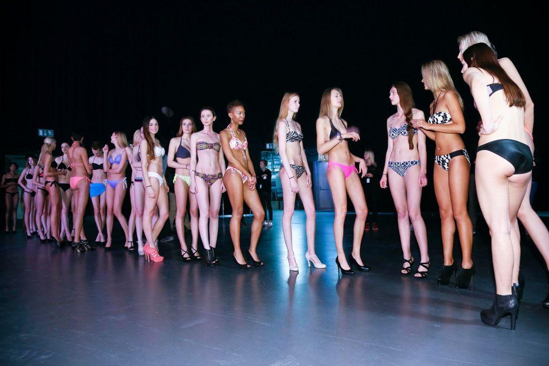 GNTM-Stf10-Epi03-Bikiniwalk-Muc-33-ProSieben-Richard-Huebner - Bildquelle: ProSieben/Richard Hübner