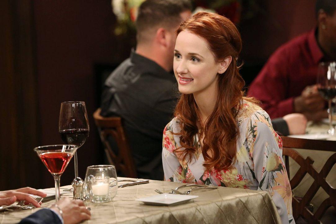 Ahnt nicht, dass sie nicht das einzige Date von Raj ist: Emily (Laura Spencer) ... - Bildquelle: Warner Brothers