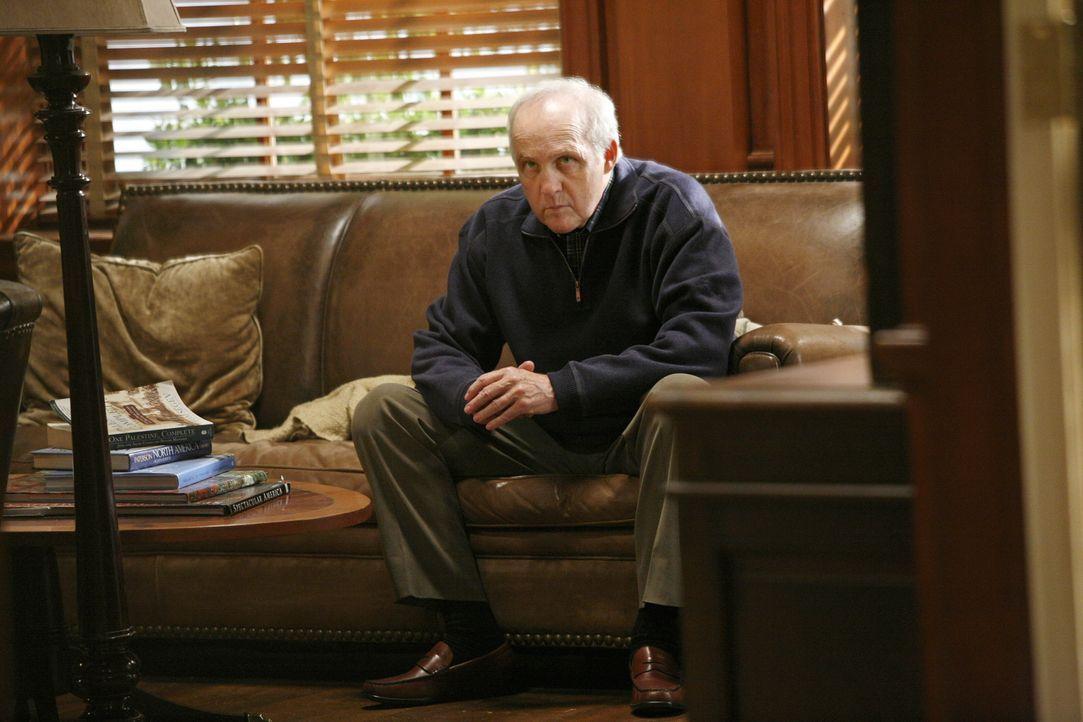 Hat er etwas mit dem Tod an Audrey Metz zu tun? Robert 'Dobber' Metz (Lawrence Pressman) ... - Bildquelle: Warner Bros. Television