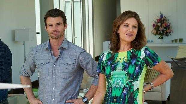 Kann Joel (Daniel Gillies, l.) Dana (Wendy Crewson, r.) überzeugen, einem ent...