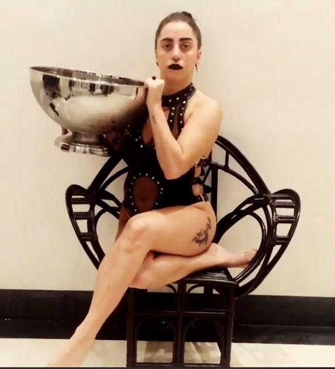 Lady-Gaga-Ice-Bucket-Challenge-Vorher-Instagram-ladygaga - Bildquelle: instagram/ladygaga