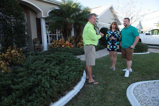 Immobilienmakler Jim Benson (l.) sucht nach dem perfekten Haus für die Bootli...