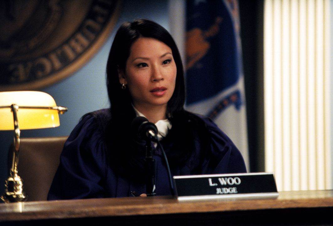 Als Richterin hat Ling (Lucy Liu) alle Hände voll zu tun ... - Bildquelle: 2001 Twentieth Century Fox Film Corporation. All rights reserved.