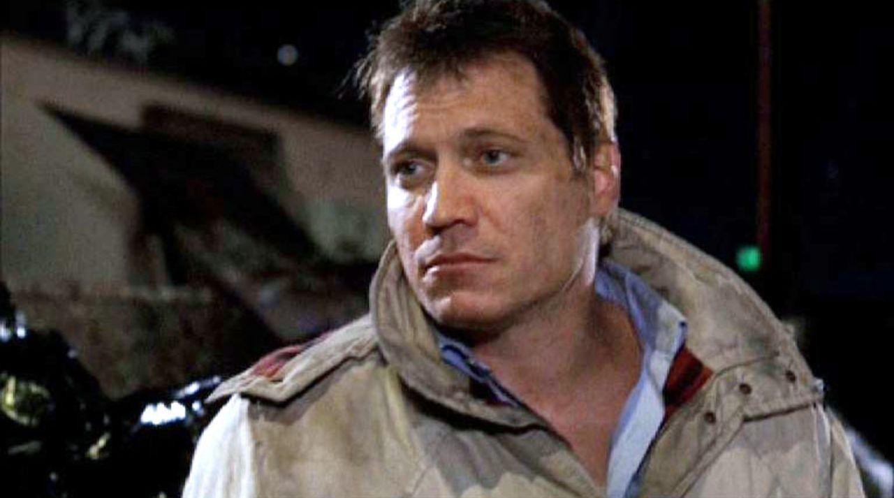 Die Spur des Serienmörders führt das BAU-Team zu Roy Woodridge (Holt McCallany), einem traumatisierten Soldaten, der glaubt, sich immer noch im Kr... - Bildquelle: Touchstone Television