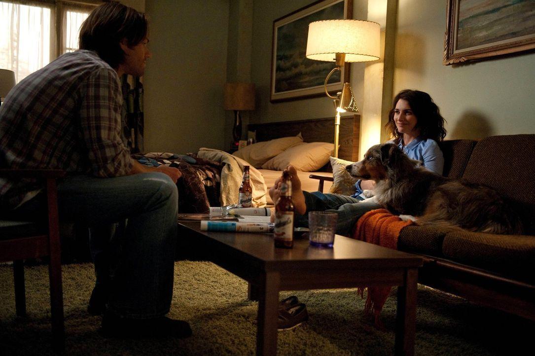 Sam (Jared Padalecki, l.) denkt gerne an die Zeit mit Amelia (Liane Balaban, r.) zurück, doch diese gehört der Vergangenheit an, oder? - Bildquelle: Warner Bros. Television
