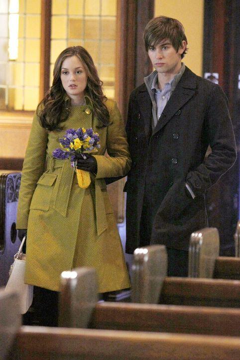 Blair (Leighton Meester, l.) hat keinen Plan für die Zukunft und will sich in der Gesellschaft etablieren. Sie schließt einen Deal mit Nates Opa ab,... - Bildquelle: Warner Bros. Television