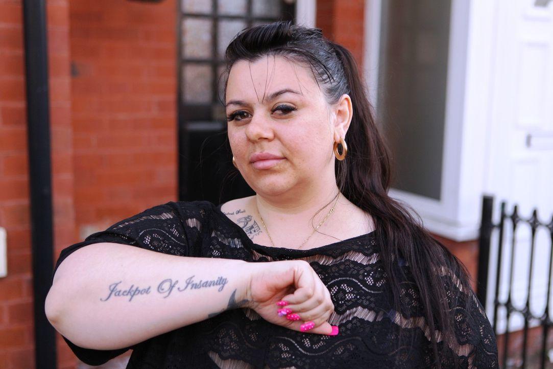 Die sechsfach Mama hat 65 Tattoos und bereut inzwischen jedes einzelne davon. Damit ihre Kinder ihr nicht nachahmen, will sie alle entfernen lassen... - Bildquelle: Remarkable 2015