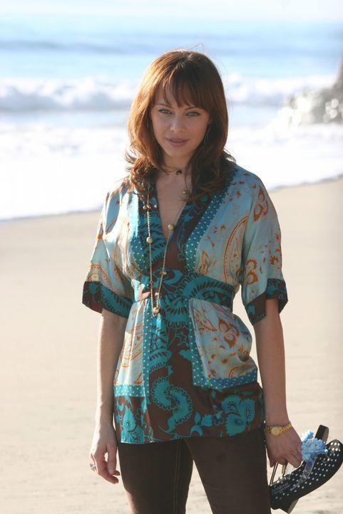 Kirsten und Julie (Melinda Clarke) planen eine Feier zum Valentinstag, überlegen allerdings kurz, ob es das Richtige ist, so kurz nach Johnnys Tod.... - Bildquelle: Warner Bros. Television