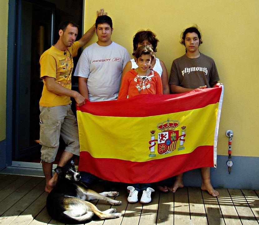 Ein Jahr nach ihrer Auswanderung nach Spanien sind Heinz (41) und Birgit Barham-Weiß (41) und die Kinder Robin (14), Kim (16) und Hannah (10) noch n... - Bildquelle: kabel eins