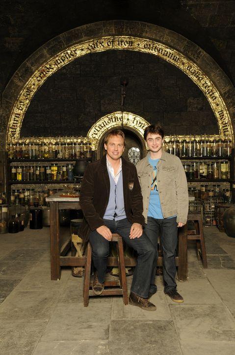 Moderator Steven Gätjen, l. und Hauptdarsteller Daniel Radcliffe, r. im Gespräch ... - Bildquelle: STEVE FINN PHOTOGRAPHY