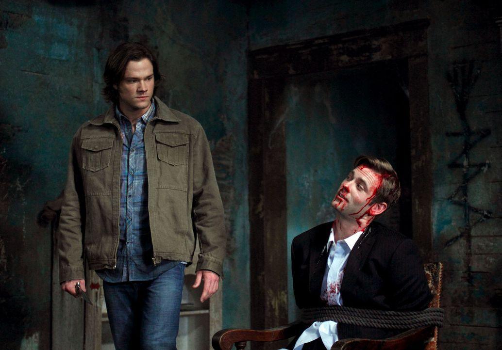 Crowley führt die Brüder zu Brady, der rechten Hand von Pestilence und wie es sich herausstellt, haben Sam (Jared Padalecki, l.) und Brady (Eric J... - Bildquelle: Warner Brothers