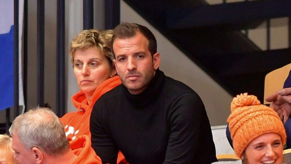 Handball-WM: Van der Vaart unterstützt seine Partnerin - Bildquelle: PIXATHLONPIXATHLONSID