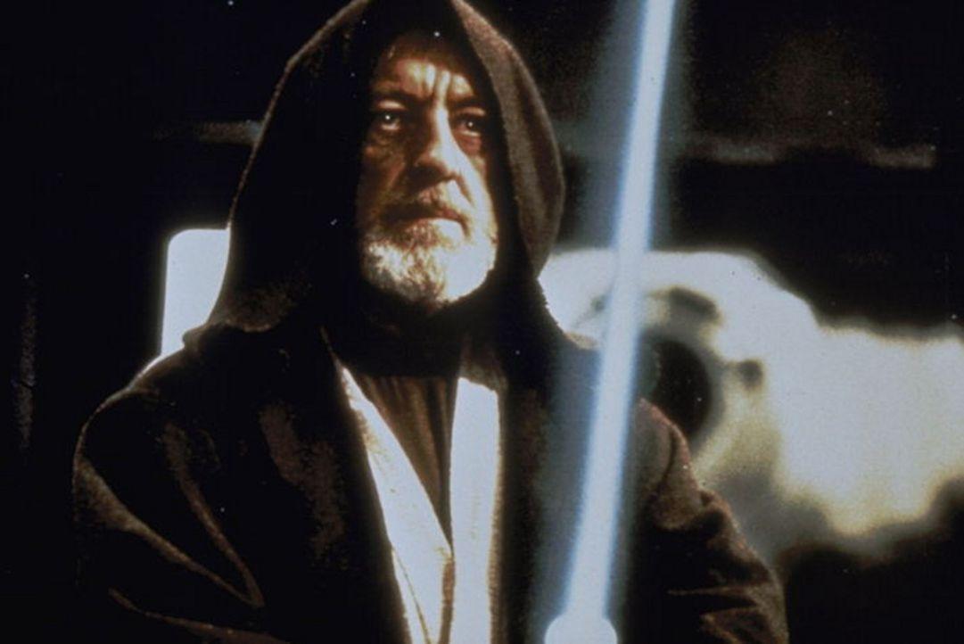 """Darth Vader, die rechte Hand des Imperators, verfügt über geheimnisvolle, magische Kräfte. Die """"Macht""""  besitzt allerdings auch sein Kontrahent,... - Bildquelle: Lucasfilm LTD. & TM. All Rights Reserved."""