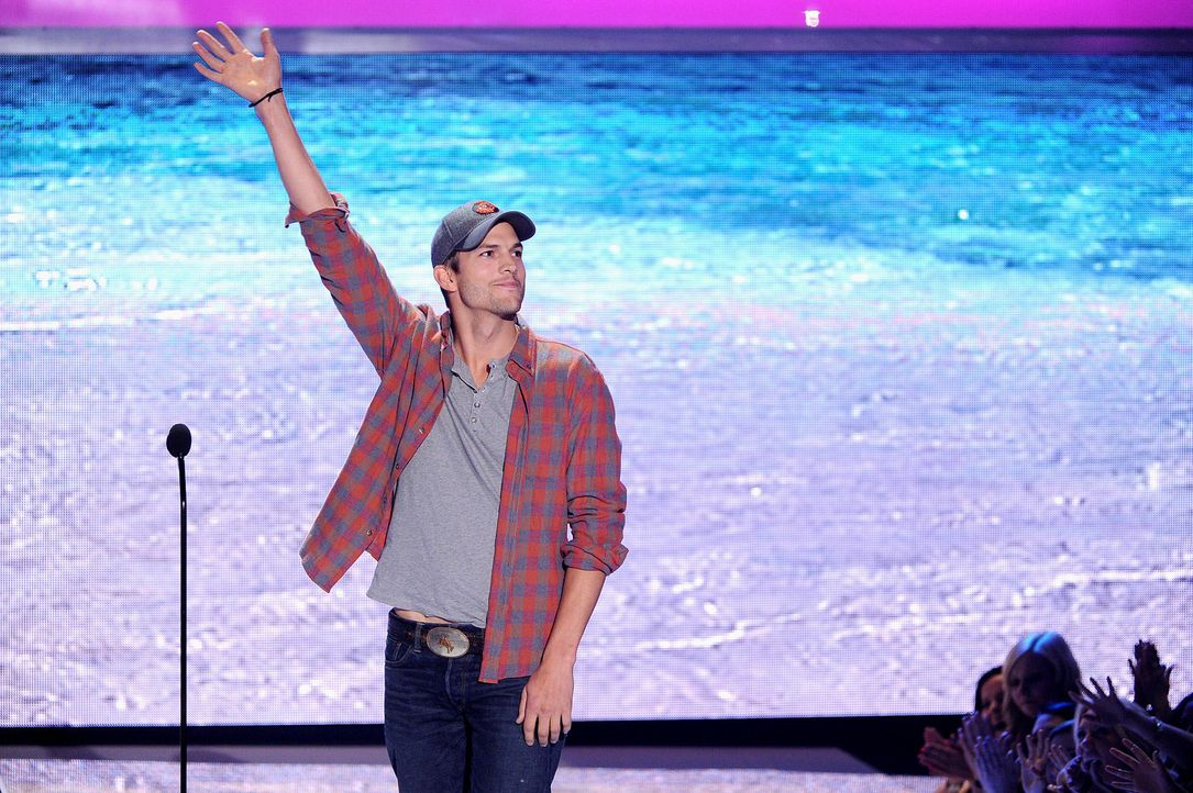 Teen-Choice-Awards-Ashton-Kutcher-13-08-11-getty-AFP.jpg 1800 x 1198 - Bildquelle: getty-AFP