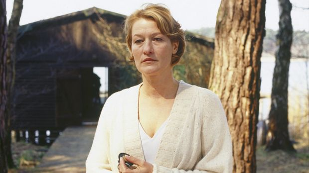 Ellen (Suzanne von Borsody) ist Psychologin, Spezialistin für Serien-Triebtät...