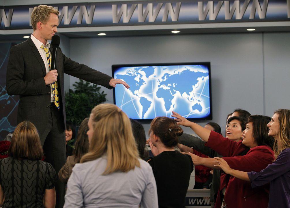 Gibt alles, um für Nora da zu sein: Barney (Neil Patrick Harris, l.) ... - Bildquelle: 20th Century Fox International Television