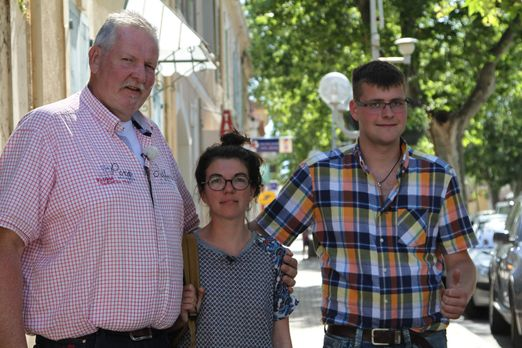 Tamme Hanken - Tamme Hanken (l.) und sein Lehrling Anton (r.) werden von Reis...