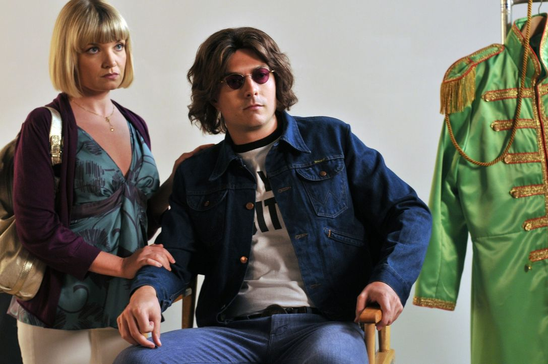 Noch ahnt Wendy nicht, welch ein Geheimnis Lily (Mary Catherine Garrison, l.) und Noah (Noah Bean, r.) haben ... - Bildquelle: NBC, Inc.