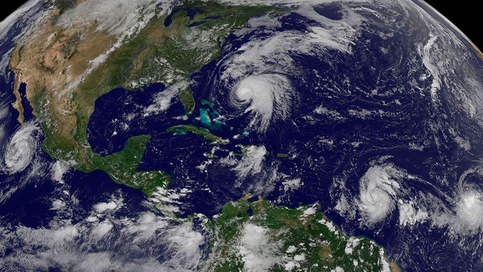 - Bildquelle: NOAA-NASA GOES Project/AP/dpa
