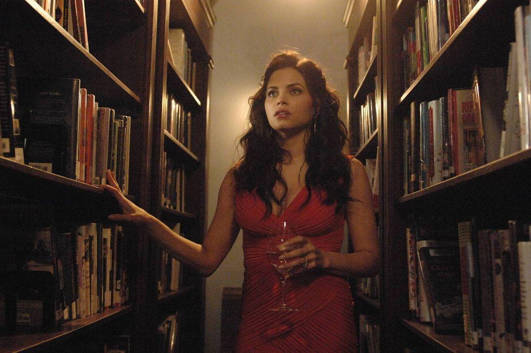 Träume, deren zentrales Thema ihr Verlangen nach Killian ist, plagen Freya (Jenna Dewan-Tatum). Sie hat Angst, dass er doch jemandem von ihrem Kuss... - Bildquelle: 2013 Lifetime Entertainment Services, LLC. All rights reserved.v