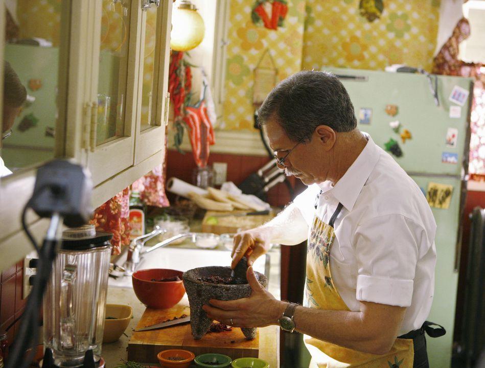 Ignacio (Tony Plana) will an einem Kochduell teilnehmen, weil er davon überzeugt ist, das Preisgeld bereits in der Tasche zu haben ... - Bildquelle: 2008   ABC Studios
