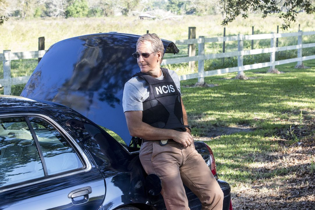 Als er einen Kronzeugen, der im Prozess gegen einen berüchtigten Waffenhändler aussagen soll, nach Texas eskortiert, wird Pride (Scott Bakula) klar,... - Bildquelle: Skip Bolen 2014 CBS Broadcasting, Inc. All Rights Reserved