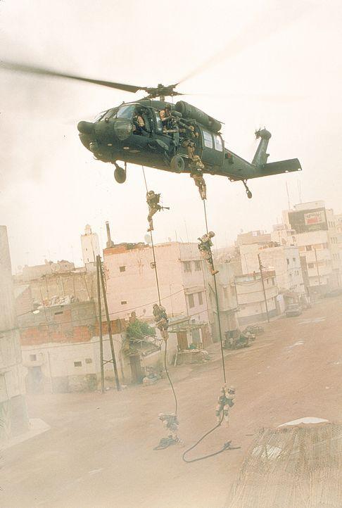 1993 führt das US-Militär eine Operation im Rahmen eines UN-Einsatzes in Mogadishu, Somalia, durch. Zunächst läuft alles nach Plan, doch dann st... - Bildquelle: Columbia Pictures