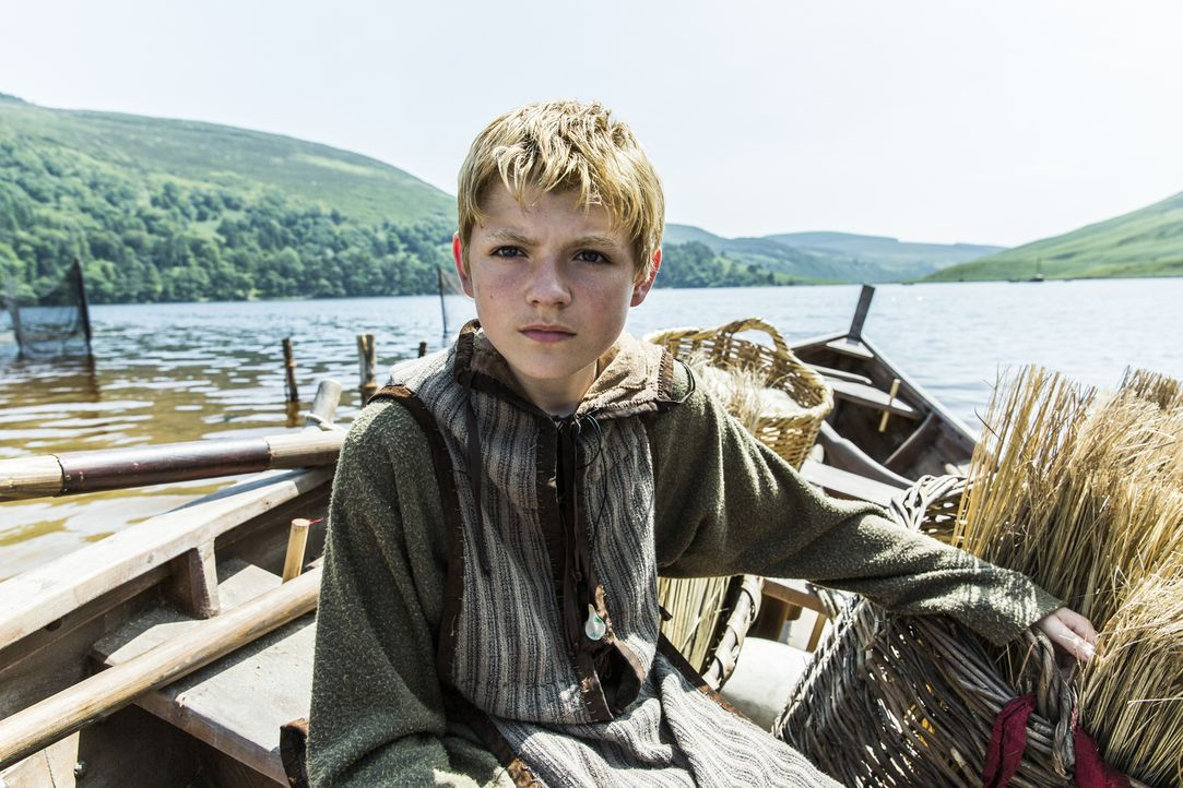 Kann nicht verstehen, dass sein Vater zulässt, dass Prinzessin Aslaug in Kattegat bleiben kann: Björn (Nathan O'Toole) ... - Bildquelle: 2013 TM TELEVISION PRODUCTIONS LIMITED/T5 VIKINGS PRODUCTIONS INC. ALL RIGHTS RESERVED.