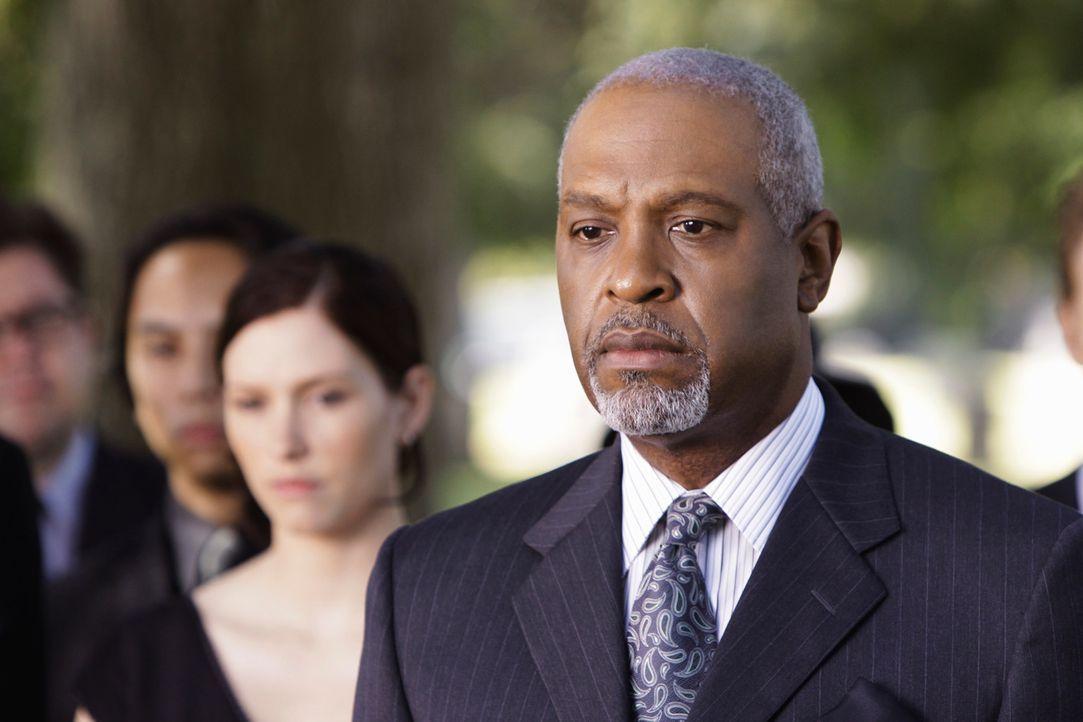 Hat einen geschätzten Menschen verloren: Webber (James Pickens, Jr.) ... - Bildquelle: Touchstone Television