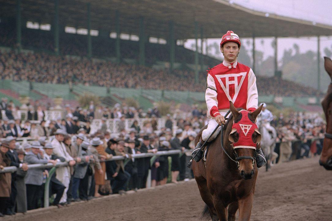 Eigentlich sind Pferd Seabiscuit und Jockey Red Pollard (Tobey Maguire) nach normalen Maßstäben nicht für den Rennsport geeignet: Das Pferd ist v... - Bildquelle: Francois Duhamel 2003 Universal Studiosand DREAMWORKS LLC..All Rights Reserved.