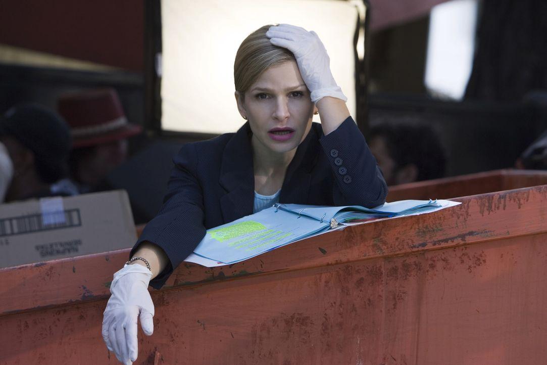 Findet in der Mülltonne eines Restaurants einen abgetrennten Kopf: Deputy Chief Brenda Johnson (Kyra Sedgwick) ... - Bildquelle: Warner Brothers
